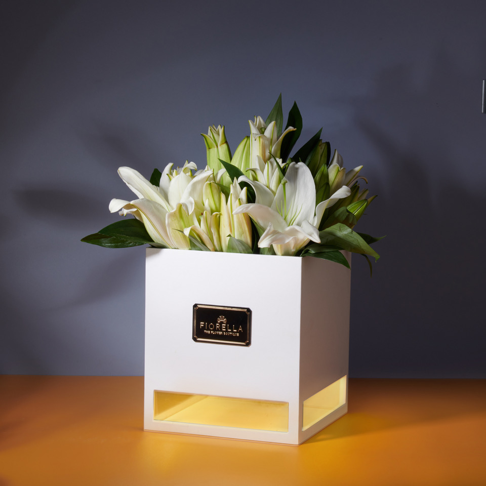 12 Light Box – Lilies – Rs3500