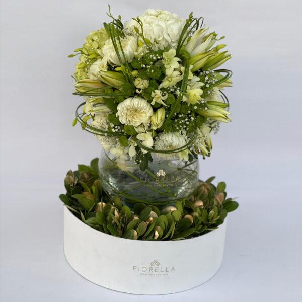 Grande Exotic with vase